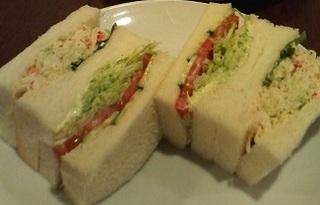 たらばガニ&野菜サンドイッチ