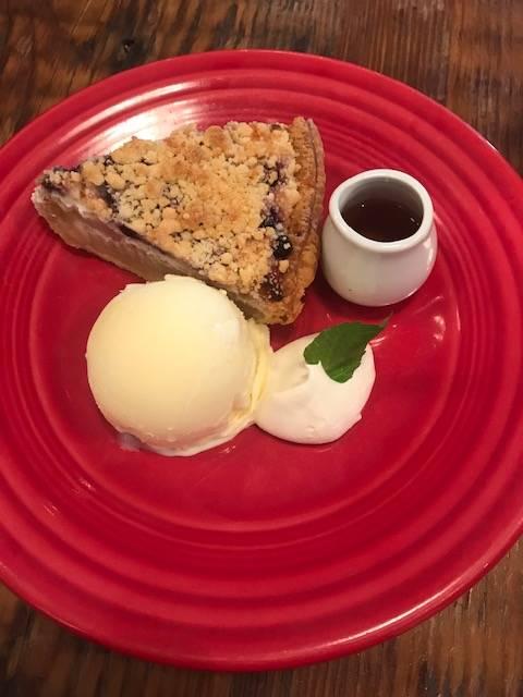 リコッタチーズとブルーベリーのアップルパイ