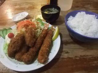 エビフライカキフライ定食