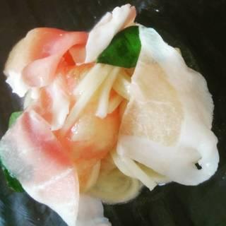 福島県産桃とホタテと生ハムの冷製パスタ