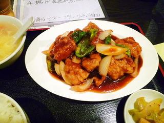 揚げ鶏の黒酢炒め