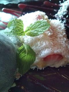 トロピカルフルーツの白玉クレープ