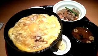 銘柄鶏親子丼と郷土料理セット