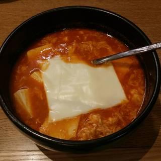 チゲ豆腐にチーズトッピング