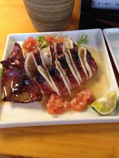 イカの姿焼き オリーブオイルとトマトのソース