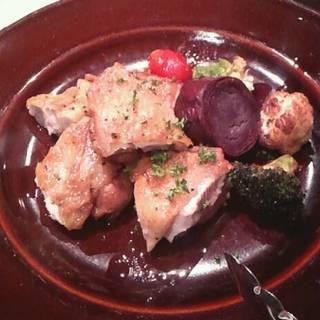 宮崎野菜と若鶏モモ肉のパリパリロースト