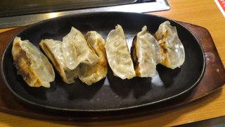 鉄板焼き餃子