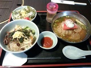 ミニ冷麺&ミニピビンパランチ