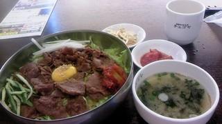 プルコギサラダ丼