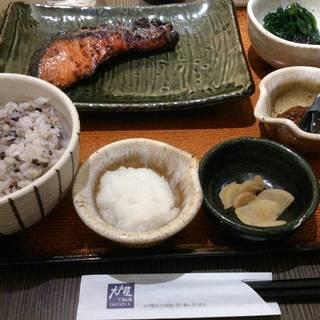 紅鮭五穀ご飯