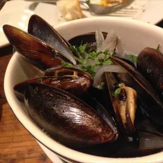 ムール貝の白ワイン蒸し half size
