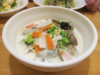 牡蠣と冬野菜のチャウダー風