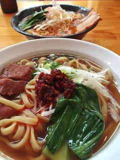 厚切り牛肉麺(加州牛肉麺)