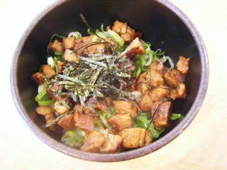 ミニチャ―シュー丼