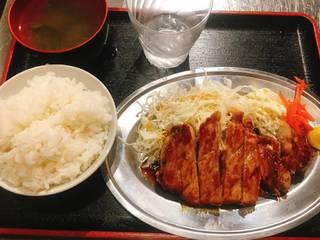 トンテキ定食 秘伝のソース