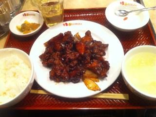 鶏肉の黒酢炒め定食