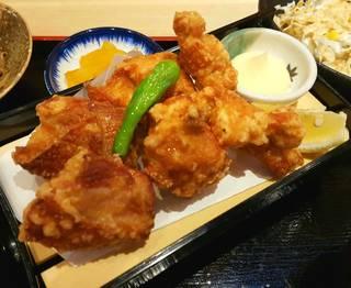 阿波尾鶏三種唐揚げ定食