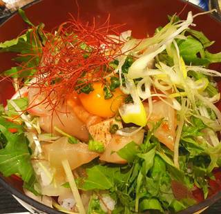 海鮮ユッケ丼定食
