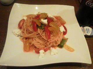 アイコトマトとモッツァレラの冷製フェデリーニ カプリ風