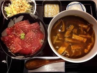 鉄火丼&カレーうどん&サラダ定食