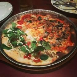 ローマ風薄焼きピッツァ
