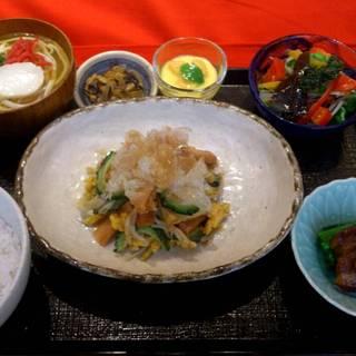 選べる沖縄そばとミニゴーヤチャンプル定食