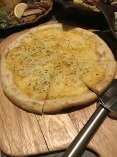 三種類チーズピザ