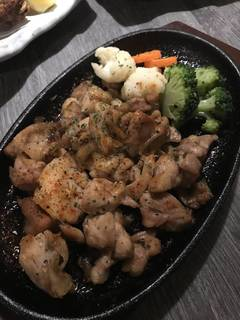 比内地鶏の黒胡椒炭火焼