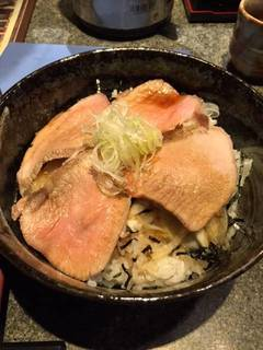 ローストポーク丼