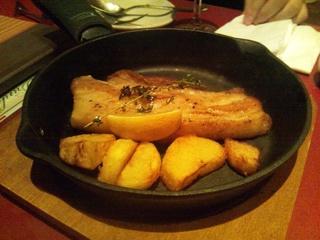 豚ローストポークの鉄板焼き
