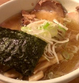 東京醤油叉焼麺