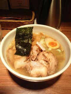 特選塩清湯麺