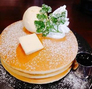 3段重ねふわふわホットケーキ