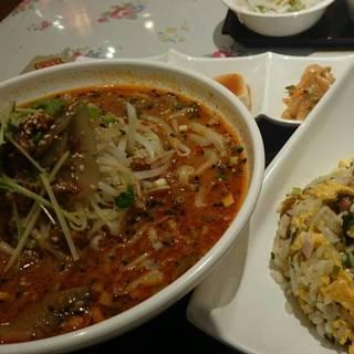 麺とチャーハンのセット