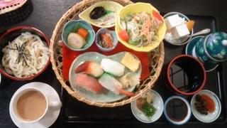江戸前寿司の花篭ランチ