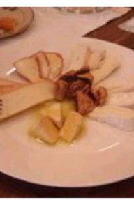 チーズ盛り合わせ¥1050~