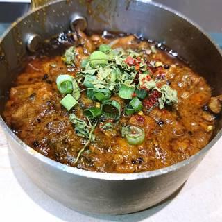 バジル味噌で仕立てるゴーヤ牛豚キーマ