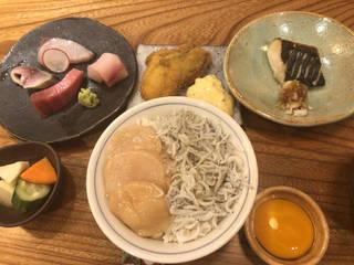 赤字覚悟10食限定ランチメニュー