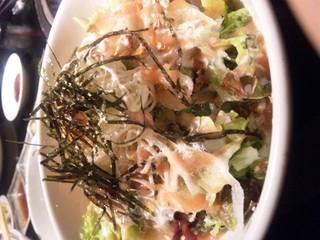 裂けるチーズの明太サラダ