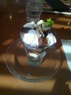 チョコブラウニーのミニパフェ