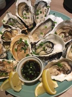 牡蠣食べ比べ(生・焼・蒸)