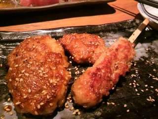 京赤地鶏つくね串の炙り焼き