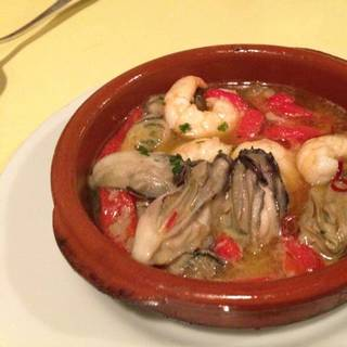 広島産牡蠣と海老のアヒージョ