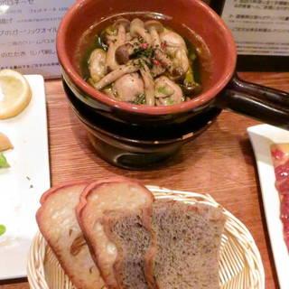 牡蠣とハーブのガーリックオイル煮