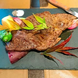 厳選牛肉のステーキ