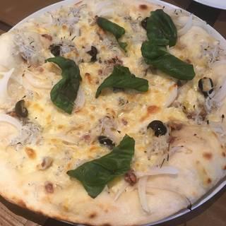シラスと春野菜のピザ