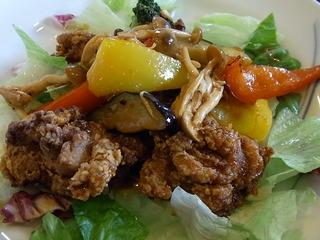 若鶏の唐揚げと彩り野菜の黒酢あん