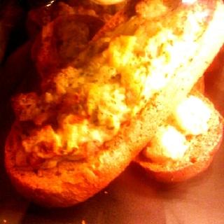 イタリアンソーセージとチーズのタルティーヌ