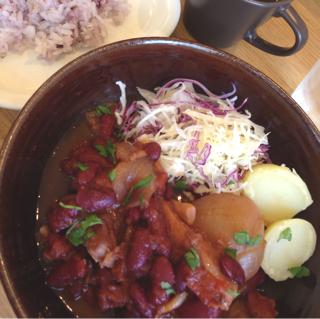 牛バラ肉の煮込みランチ