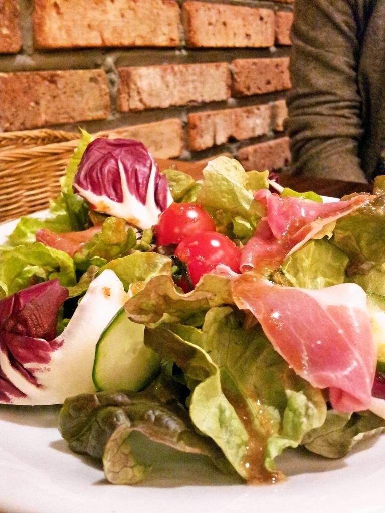 九十九里の野菜を使ったサラダ